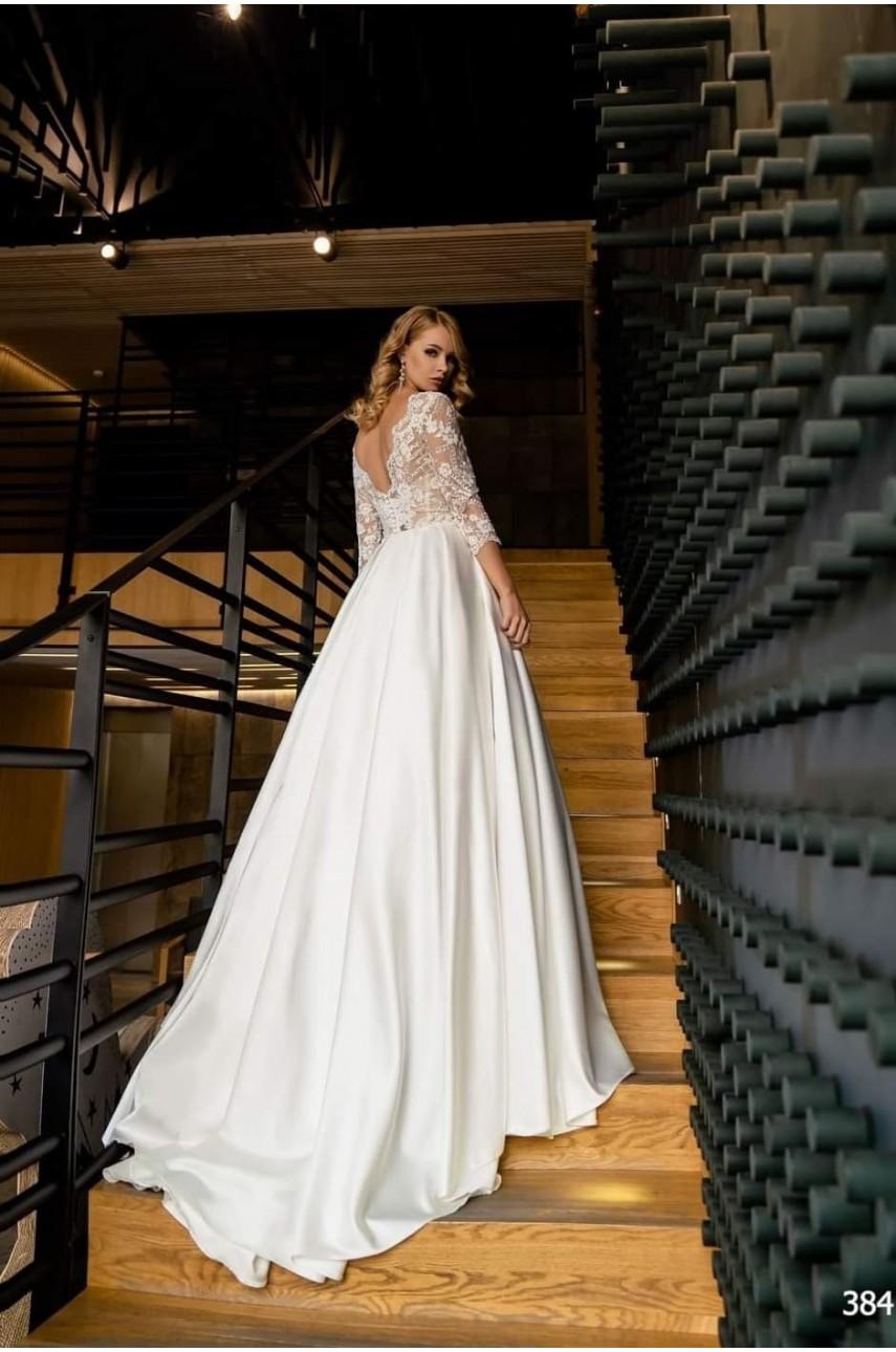 """Kolekcja """"Flame"""" 2020, Suknia Ślubna model 384"""